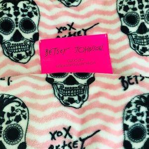 Betsey Johnson Sugar Skull Throw